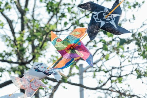 public-art-project-pinwheels-move-with-me-photos-by-john-andrews-24